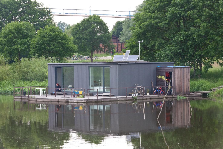dom na wodzie; wrocław; a house on the water; architektura minimalizmy; minimal architecture; Hiszpania; spanish design
