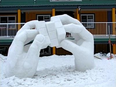 Zwycięska rzeźba w śniegu. Rok 2010 w Vernon